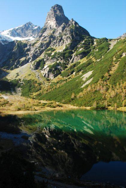 Tatry. Kołowy szczyt i Jastrzębia Turnia nad Zielonym Stawem, fot. Iwona Kowalska