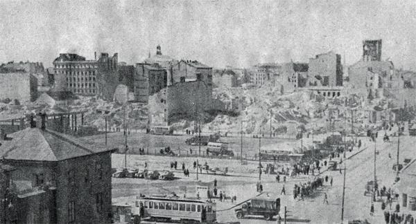 ruiny ulicy Zielnej widziane od strony Al. Jerozolimskich 1948 rok.